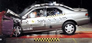 Краш-тест Toyota Camry